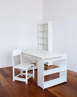 Scene all: minimalistische Studeerkamer/kantoor door Studio Toon Welling