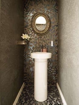 Baños de estilo moderno por erico navazo