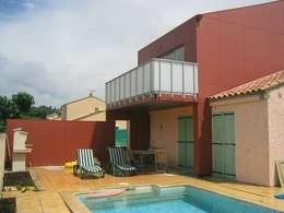 PLUG and PLAY: Maisons de style de style Moderne par scp bastide gaucher