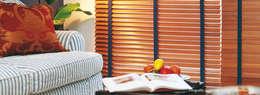Cortinas horizontales de madera: Livings de estilo moderno por Dino Conte