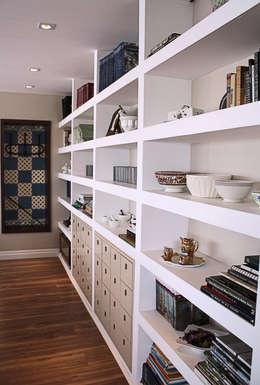 Ruang Keluarga by Graf Arquitetura & Interiores