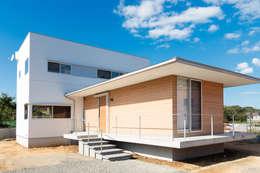 Projekty, nowoczesne Domy zaprojektowane przez 内田建築デザイン事務所