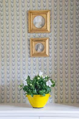 Walls & flooring by Astrid & Rudolf