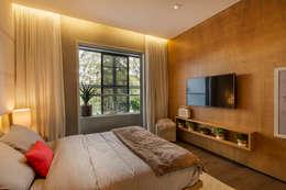 Recámaras de estilo minimalista por Studiodwg Arquitetura e Interiores Ltda.