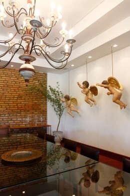 Comedor de estilo  por Andréa Calabria Arquitetura