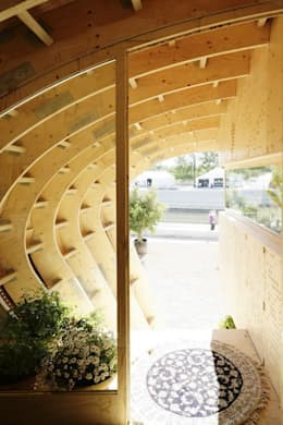 FabLabHouse#01 équipe IaaC: Couloir et hall d'entrée de style  par [ADitude*] Architecture