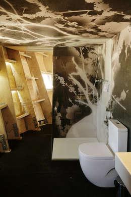 FabLabHouse#01 équipe IaaC: Salle de bains de style  par [ADitude*] Architecture