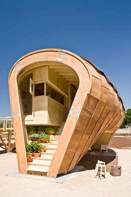 FabLabHouse#01 équipe IaaC: Maisons de style de style Moderne par [ADitude*] Architecture