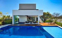 Piscinas de estilo moderno por Raffo Arquitetura