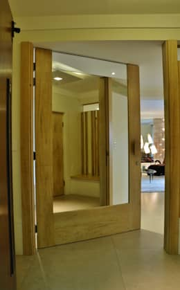 Kika Prata Arquitetura e Interiores.의  복도 & 현관