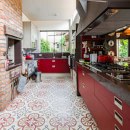 eclectic Kitchen by Camila Tannous Arquitetura & Interiores