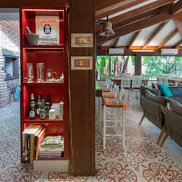 Terrazas de estilo  por Camila Tannous Arquitetura & Interiores