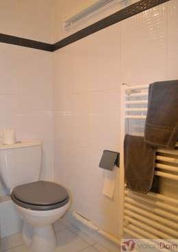 Home Staging Salle de bains d'enfants 2 Après:  de style  par VALORIDOM