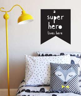 Sticker mural super héros: Murs & Sols de style de style Moderne par Pitimana