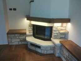 rustikale Wohnzimmer von Fazzone camini