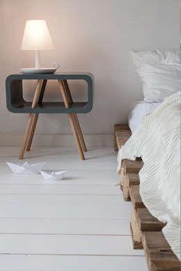 Dormitorios de estilo escandinavo por Studio Jolanda van Goor
