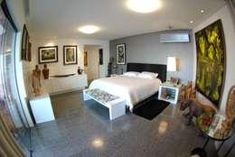 Apartment in Recife, Brazil: Quartos  por André Cavendish e Arquitetos