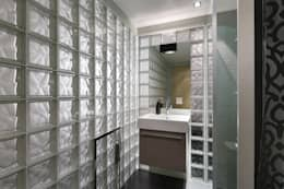 Гостевой санузел: Ванные комнаты в . Автор – (DZ)M