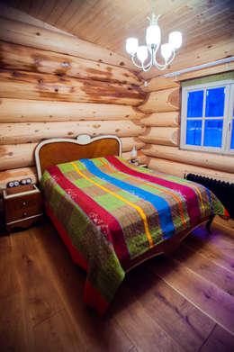 rustic Bedroom by Роял Вуд