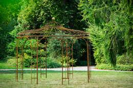 Jardines de estilo clásico por Holz-Wohn-Bau GmbH - kuheiga.com
