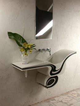minimalistic Bathroom by Anna Buczny PROJEKTOWANIE WNĘTRZ