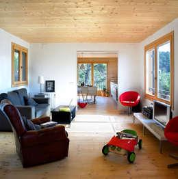 Casas de estilo mediterraneo por HARQUITECTES