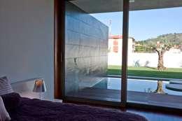Chambre de style de style Moderne par Atelier Lopes da Costa