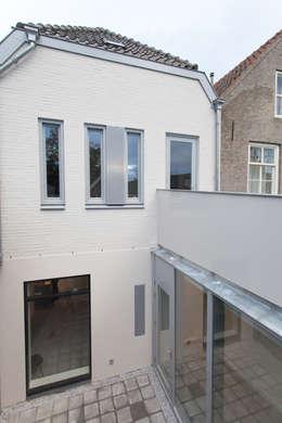 de (drie) Moriaen(en): moderne Huizen door architectenbureau Huib Koman (abHK)