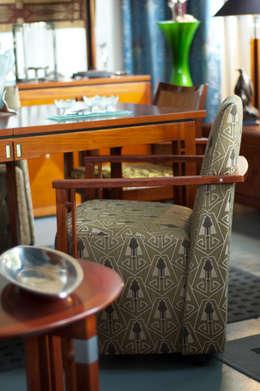 Gestoffeerde Art Deco eetkamerstoel: eclectische Eetkamer door De blauwe Deel Webwinkels
