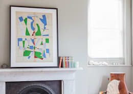 Le Petit Echo de la Mode no.35 (limited edition) by Hormazd Narielwalla: modern Living room by King & McGaw