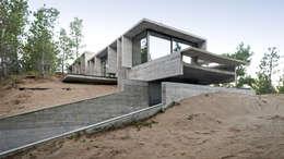 modern Houses by Besonías Almeida arquitectos