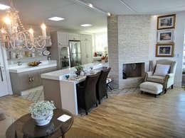 Cocinas de estilo clásico por Gabriela Herde Arquitetura & Design