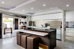 Кухни в . Автор – Moda Interiors