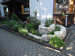 Jardines de estilo mediterraneo por Raum-Künstler.in