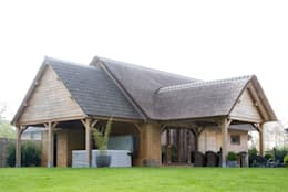 Bijgebouw in Engelse stijl.: landelijke Tuin door Vetrabo
