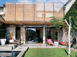 Casas de estilo moderno por atelier julien blanchard architecte dplg