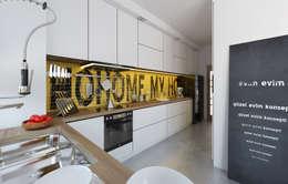 Cocinas de estilo moderno por İNDEKSA Mimarlık İç Mimarlık İnşaat Taahüt Ltd.Şti.