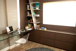Interiores FF: Gabinete  por Tartan Arquitetura e Urbanismo