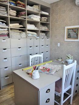classic Study/office by Gabriela Herde Arquitetura & Design