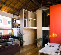 Salas de estar industriais por Beriot, Bernardini arquitectos