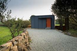 Casas modernas por Patrick Bradley Architects