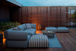 Jardines de estilo clásico por Muebles caparros