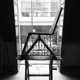 silla : Estudio de estilo  por Armatoste studio