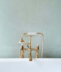 country Bathroom تنفيذ Drummonds Bathrooms