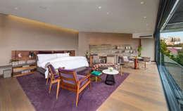 Casa Dalias: Recámaras de estilo minimalista por grupoarquitectura