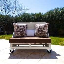 Balcones, porches y terrazas de estilo  por 2nd Chance Créations