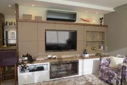 Salas de estar modernas por Paula Oliveira Szabo Arquitetura