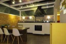 modern Dining room by Paula Oliveira Szabo Arquitetura