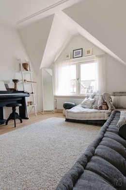 Habitaciones infantiles de estilo  por A54Insitu