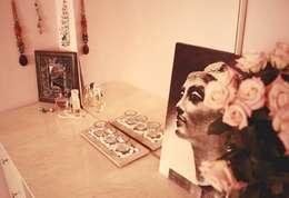 Идея декорирования столика для макияжа в богемном стиле: Спальная комната  в . Автор – L'Essenziale Home Designs